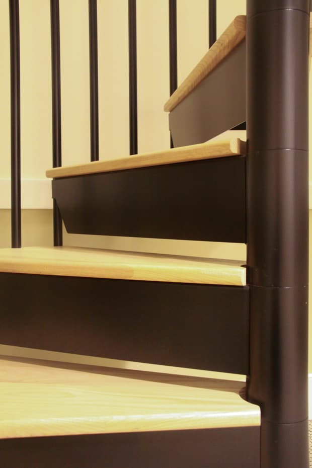 Classic steel with wood Spiral Staircase code risers