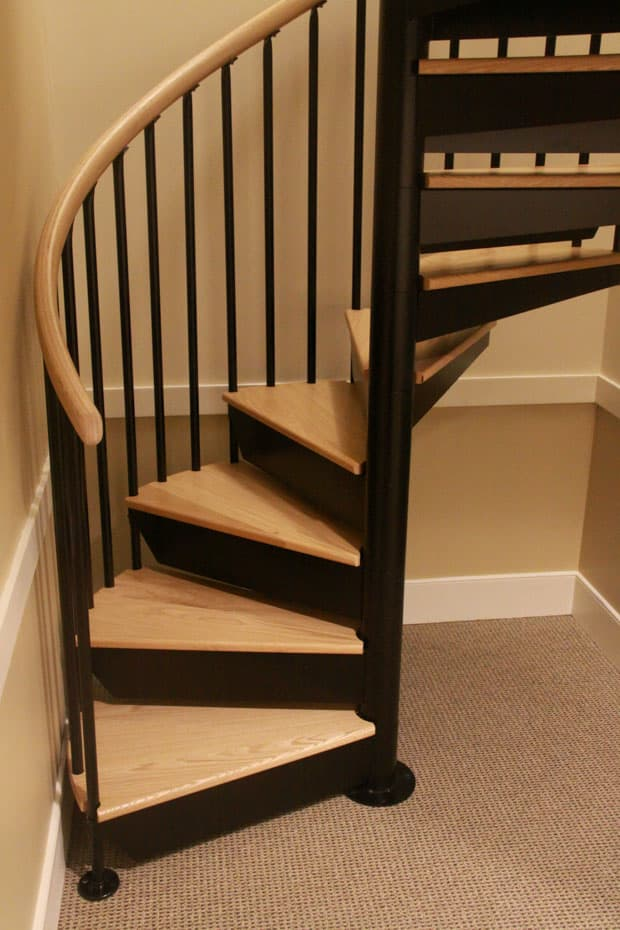 Classic steel with wood Spiral Staircase left hand rotation