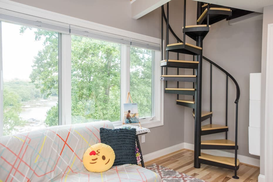 Classic steel with wood Spiral Staircase kid's bedroom
