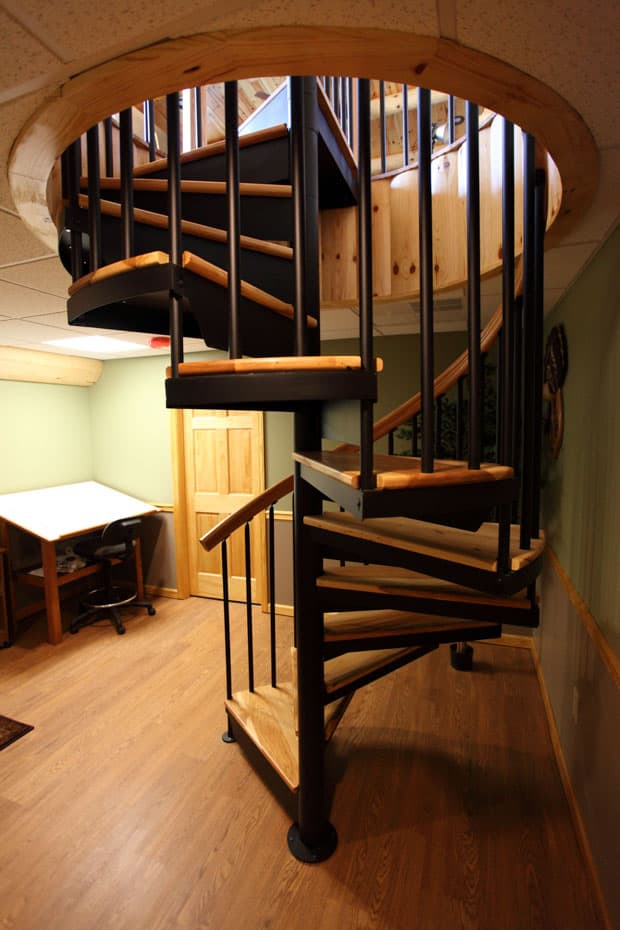 Classic steel with wood Spiral Staircase 2 center balusters