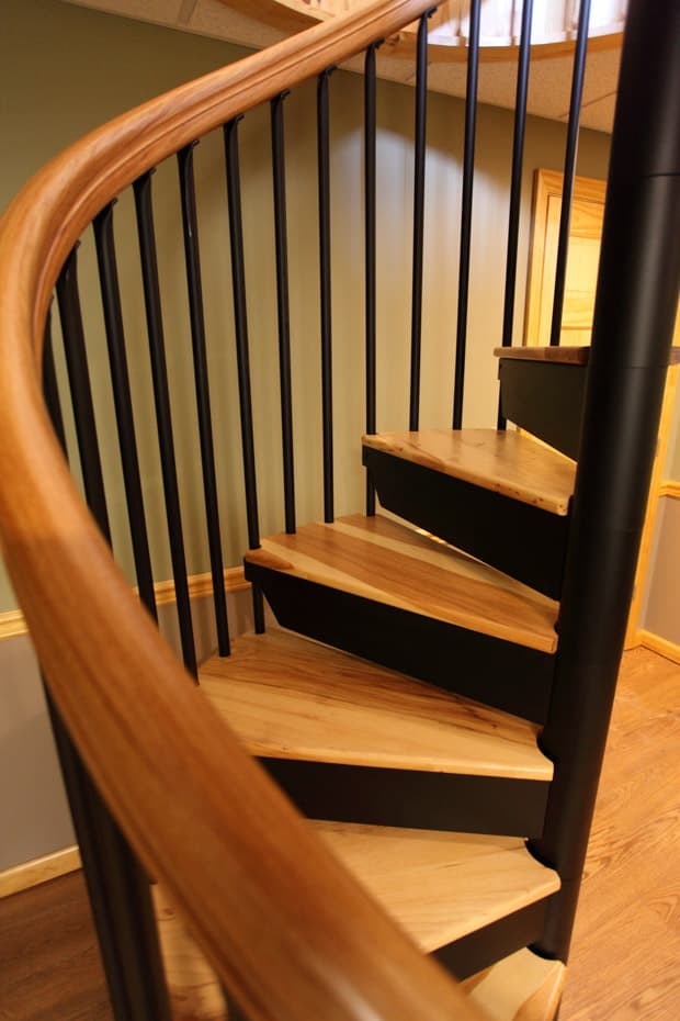 Classic steel with wood Spiral Staircase standard baluster tips