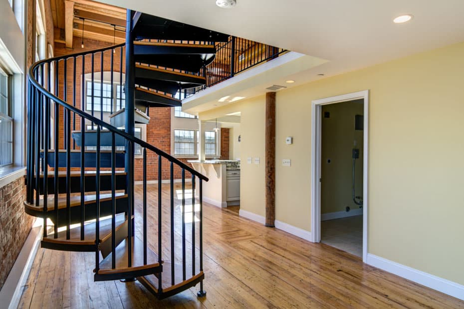 Classic steel with wood Spiral Staircase urban interior design