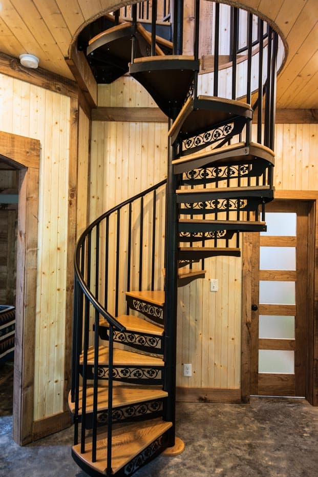 Classic steel with wood Spiral Staircase country home