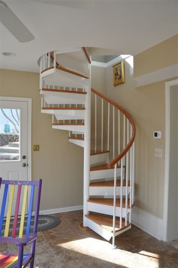 Classic steel with wood Spiral Staircase white finish