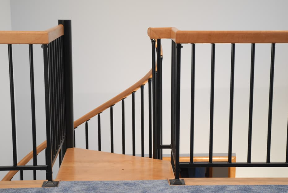 Classic steel with wood Spiral Staircase platform railing