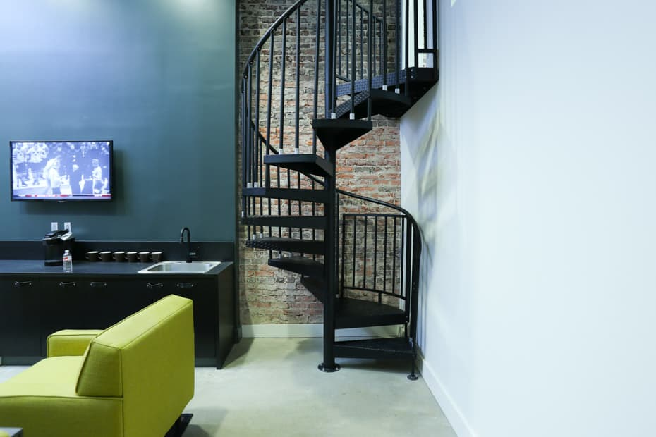 Commercial Spiral Staircase Straight Risers