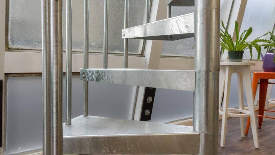 Galvanized Spiral Staircase standard treads