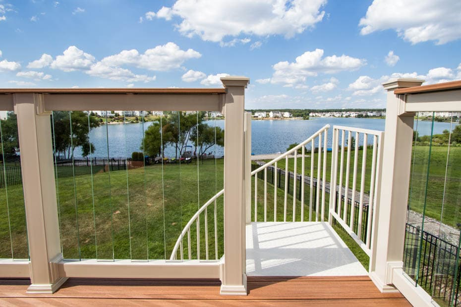 Aluminum Deck Spiral Staircase Lake View