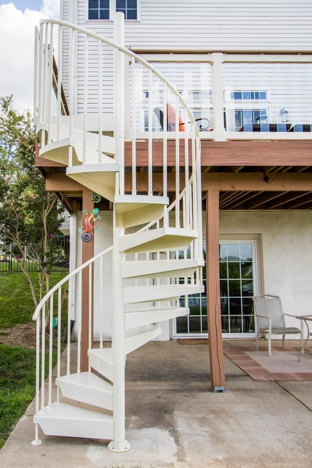 Aluminum Deck Spiral Staircase Raised Deck