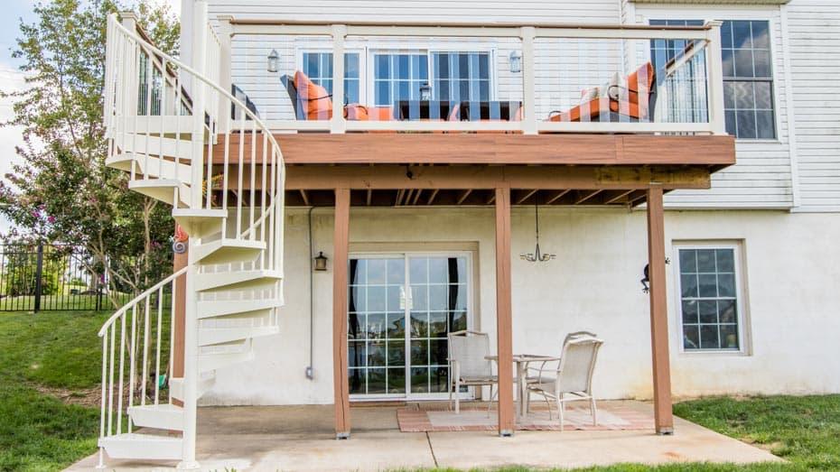 Genial Aluminum Deck Spiral Staircase Backyard Setup