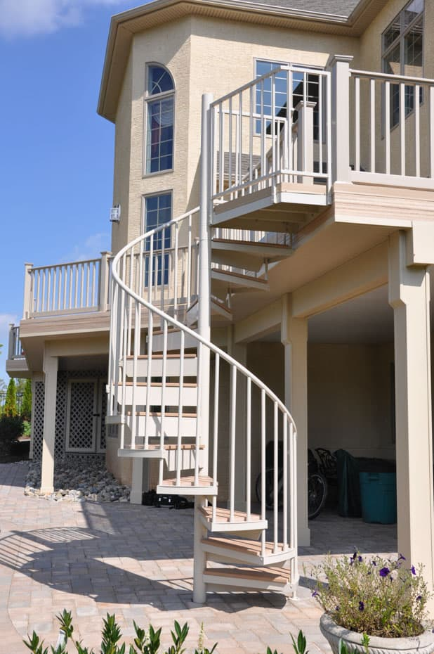 Aluminum Deck Spiral Staircase Luxury Living