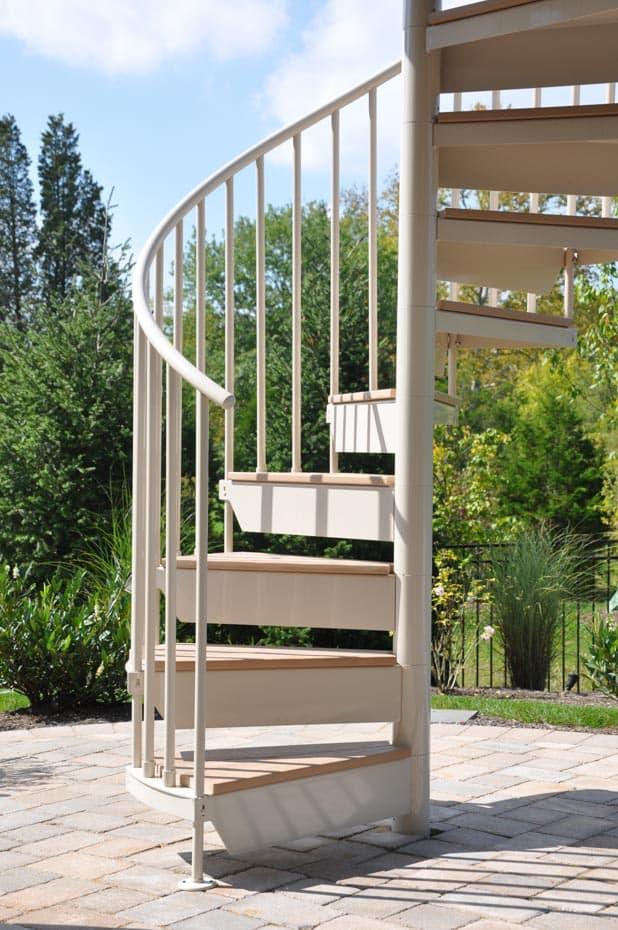 Aluminum Deck Spiral Staircase Outdoor Garden