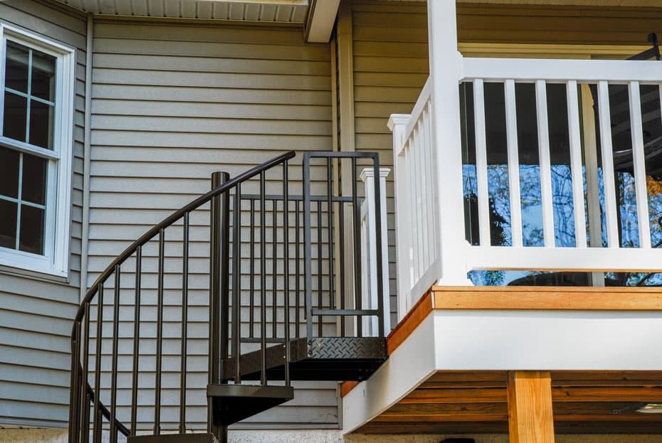 Aluminum Deck Spiral Staircase Black railing