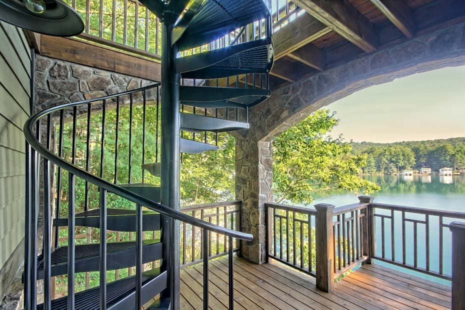 Aluminum Deck Spiral Staircase Continuous Sleeve