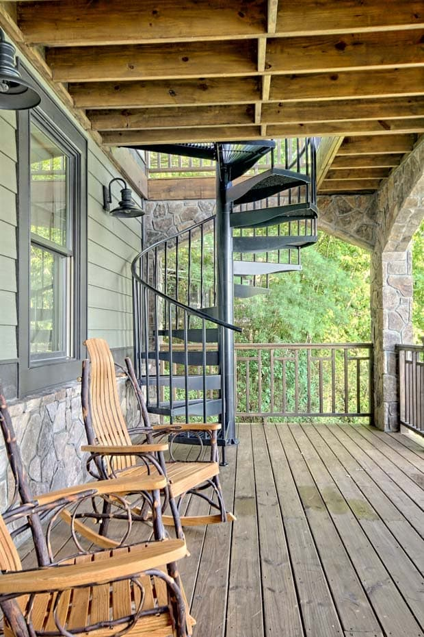 Aluminum Deck Spiral Staircase Curved Tread