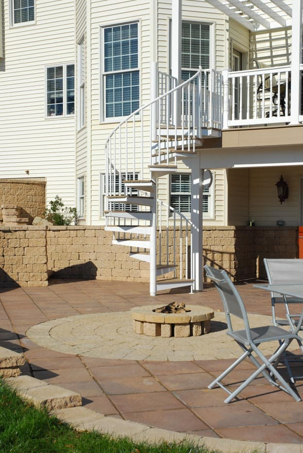 Aluminum Deck Spiral Staircase Fire Pit