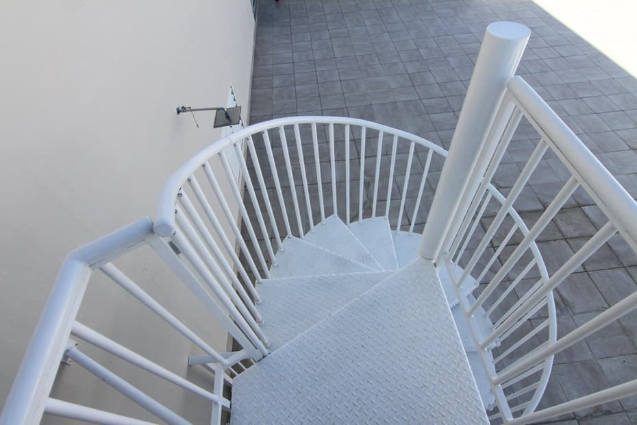 Aluminum Deck Spiral Staircase Diamond Tread
