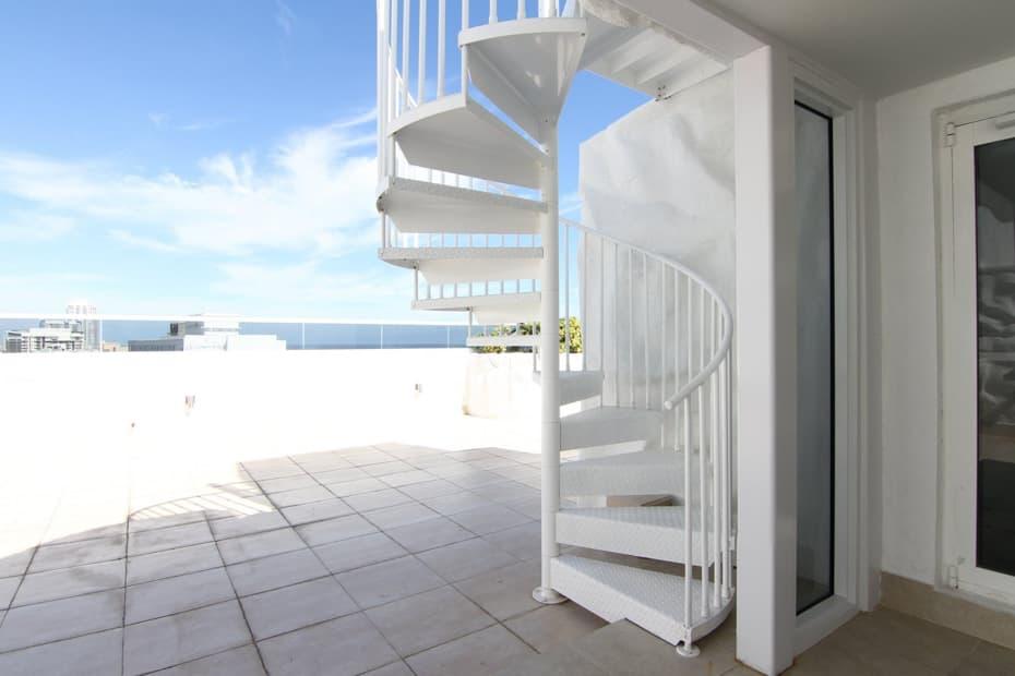 Aluminum Deck Spiral Staircase White Powder Coat