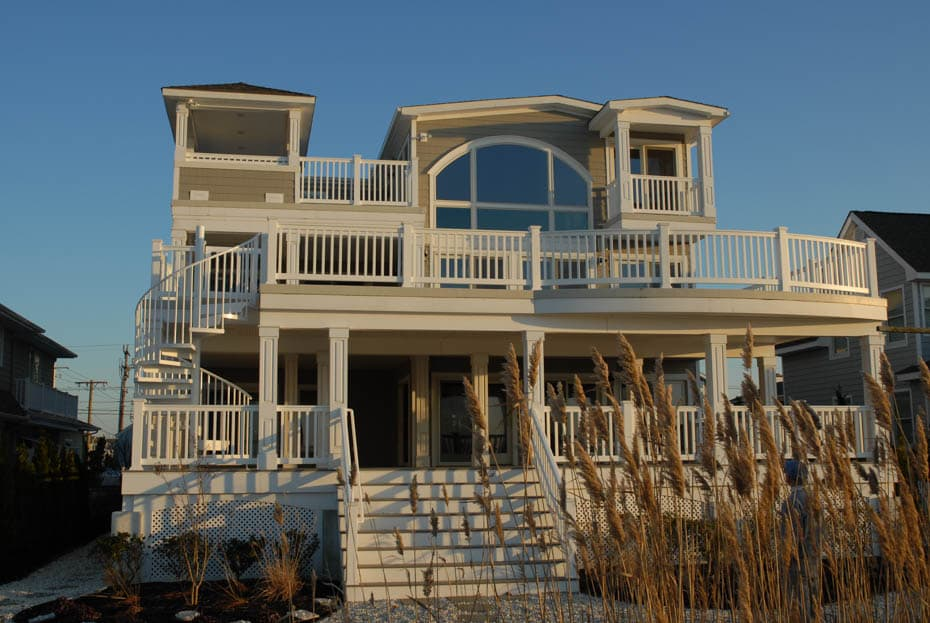 Aluminum Deck Spiral Staircase Front Yard