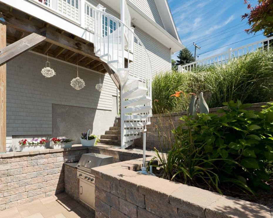 Aluminum Deck Spiral Staircase Outdoor Kitchen