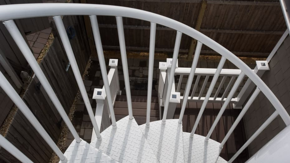 Double Stack Spiral Staircase tread to handrail connection