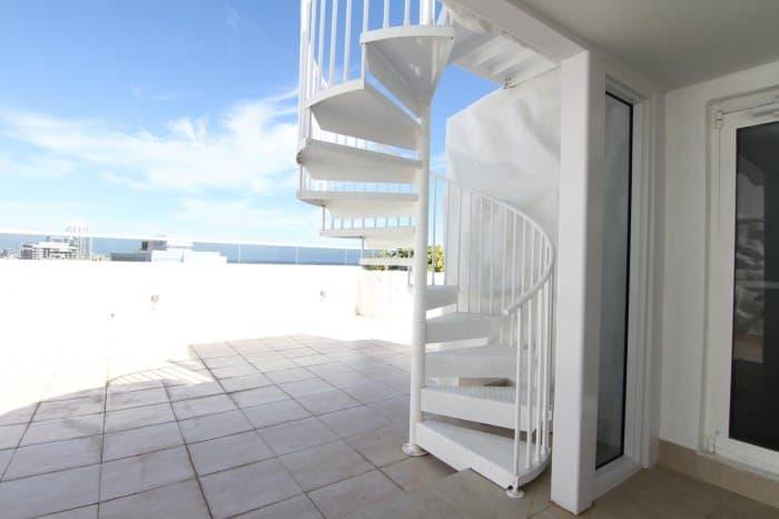 aluminum-deck-spiral-stair