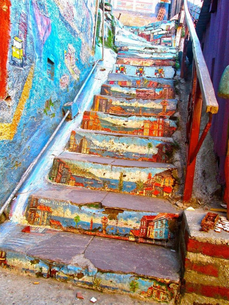 4.Valparaiso-Chile-17-Beautifully-Painted-Stairs-From-All-Over-The-World.-7-Is-Insane