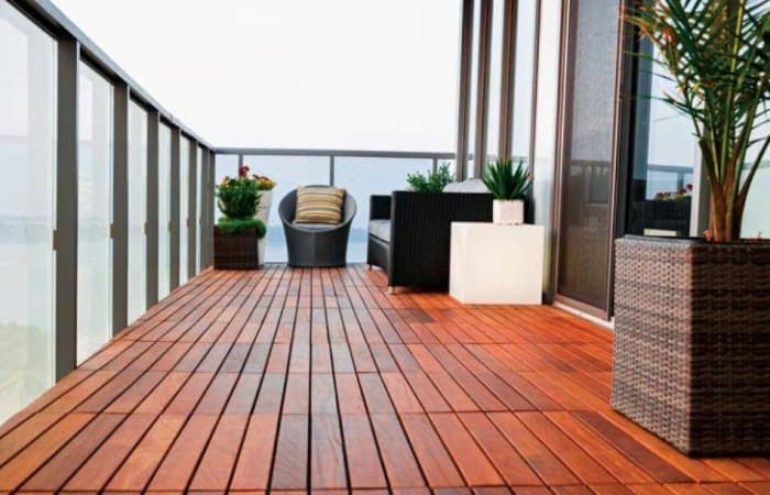 outdoor-balcony-wood-flooring