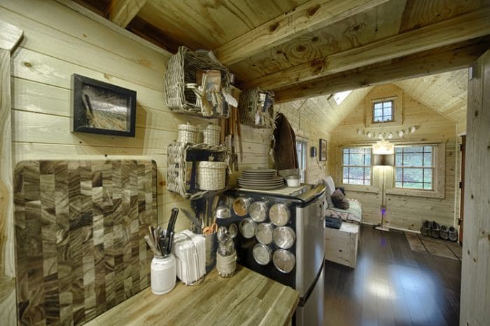 tiny-house-storage-baskets