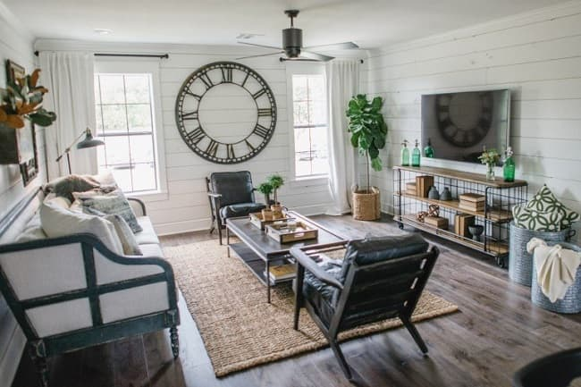 barndominium living room