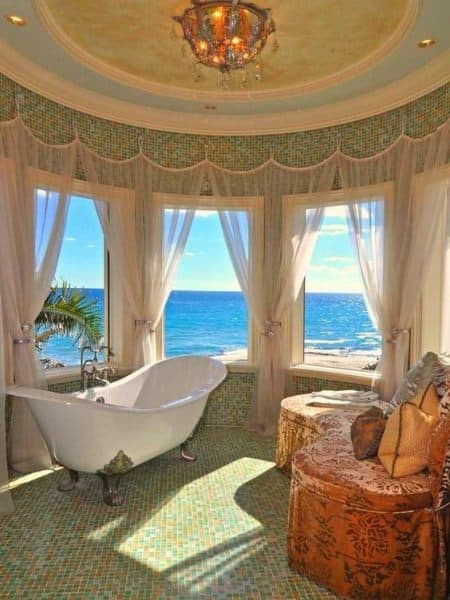 luxurious-beach-house-bathroom