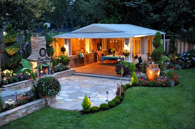 outdoor living space landscaping