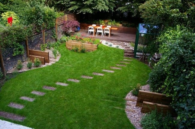 Small Backyard Pathway