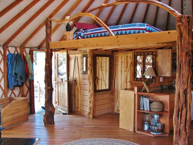 rustic-yurt-design