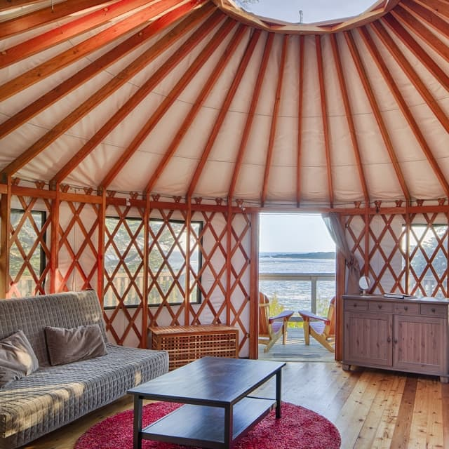 beach-front-yurt-design