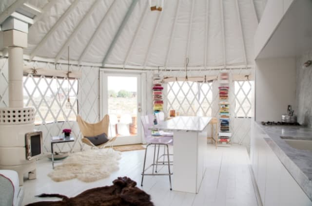 minimalist-yurt-design