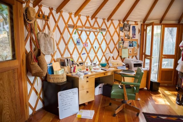yurt-home-office
