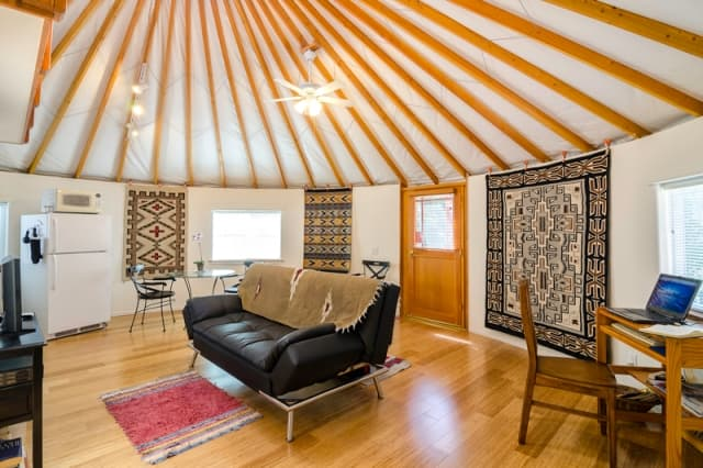 simple-yurt-interiors